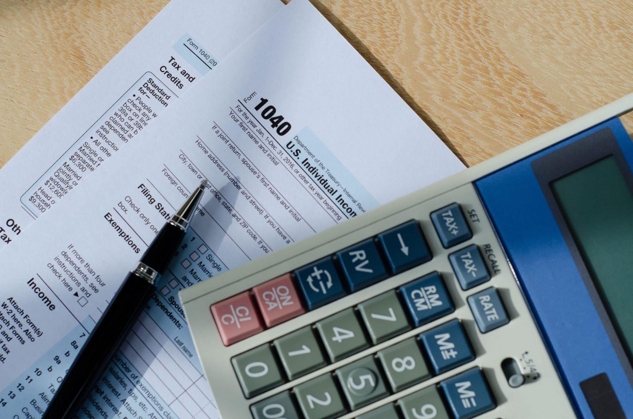 Filing Taxes Yourself or Hiring a Professional: Choosing Which Scenario That Works Best For You